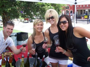The Pouring Hotties of Vihuela