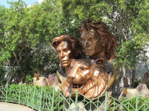 Siegfried & Roy outside of the Mirage