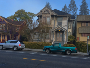 House in Downtown Napa Calling to me to Fixer Upper it!